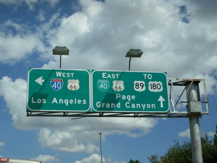 道路標識 ロス 画像