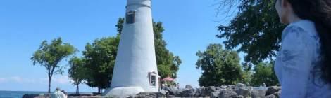エリー湖岸に立つ現役の灯台としてはアメリカで最古の灯台です